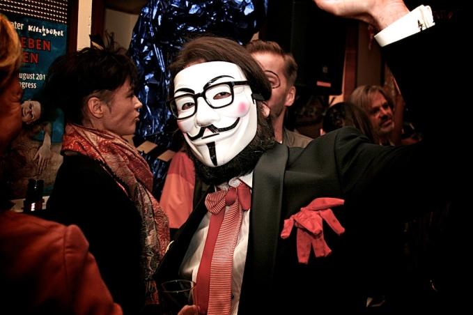 Vivienne Westwood.Cafe Korb 3