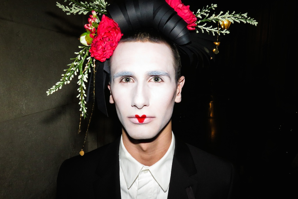 The look at the fashion show: male geishas for Viktor & Rolf