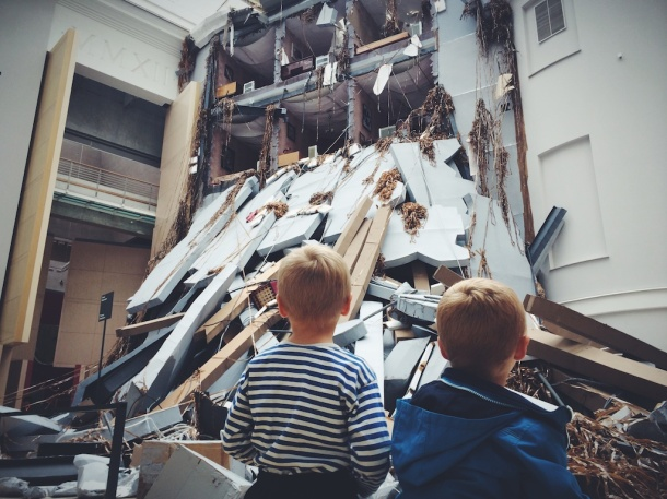 Young admirers of ABSCHLAG by Thomas Hirschhorn