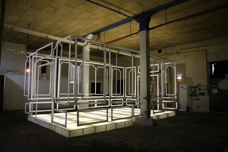 mo.ë: Remains of Space, 2012 Installation by Anna Mitterer (photo credits unknown)