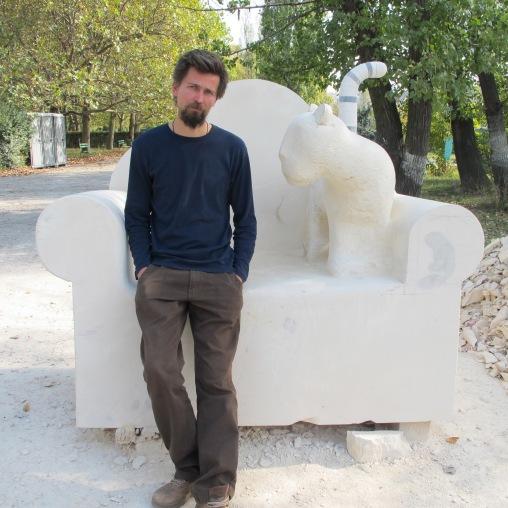 Virgil Scripcariu Eurotrophy, 2012 Wood, fur, ready made object, plexus 120 x 150 x 45 cm © Virgil Scripcariu Courtesy ATELIER 030202, Bucharest