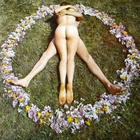 MONDAY MOOD PEACE #peace #helmuts #privateartclub #vienna #vie #venice #2015 #flowerpower #monday #art #artclub #love #artcollection #hippies #felixfranzferdinand