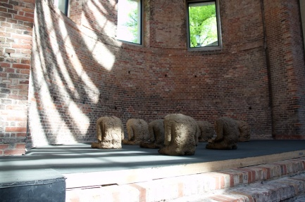 Magdalena Abakanowicz at St. Elisabeth Church. Zak|Branicka gallery