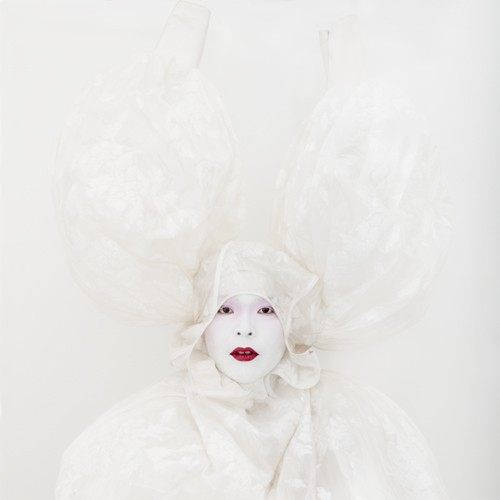 Kimiko Yoshida, Painting (Marquise de Pompadour by François Boucher). Self-portrait, Photography, 142 x 142 cm, 2010, Galerie Caroline Smulders, photocredit: courtesy of the artist