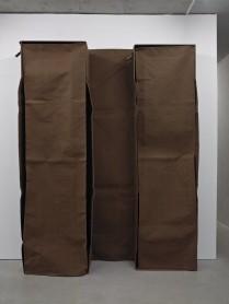 Franz Erhard Walther, Der Körper muss entsprechen II, 1984, courtesy of KOW
