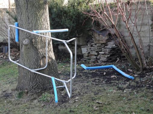 Krystian Jarnuszkiewicz, Hard Asleep under an Oak Tree, 2011, courtesy of Pola Magnetyczne
