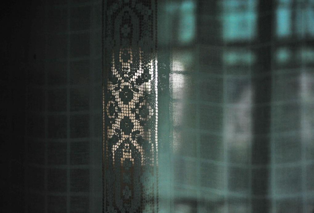 Mircea Stanescu, Light Drapes 2 , 2012 © EASTWARDS PROSPECTUS