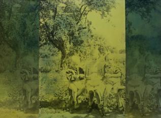 Teresa Gierzyńska, Zielony groszek [Green peas], 1975, photocollage, vintage gelatin silver print mounted on cardboard, aniline-dyed, 35.7 x 48.7 cm, unique piece, © Teresa Gierzyńska, courtesy of Pola Magnetyczne