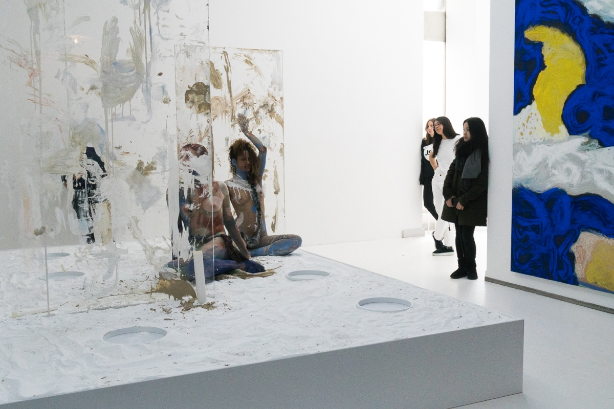 """Julia Stoschek Collection Berlin """"Epithelial Echo"""": A performance by Donna Huanca"""