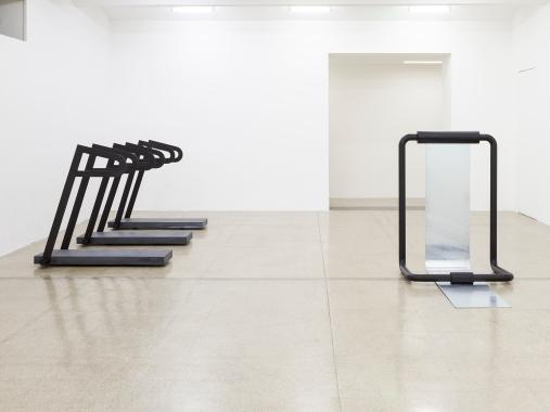 Toni Schmale, HOT HOT HOT, Ausstellungsansicht, Secession 2017, Foto: Sophie Thun