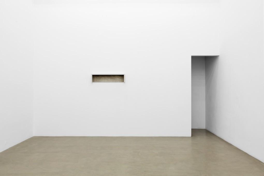 Anita Leisz, Ausstellungsansicht, 2016 Foto: Tina Herzl, Courtesy die Künstlerin und Galerie Meyer Kainer
