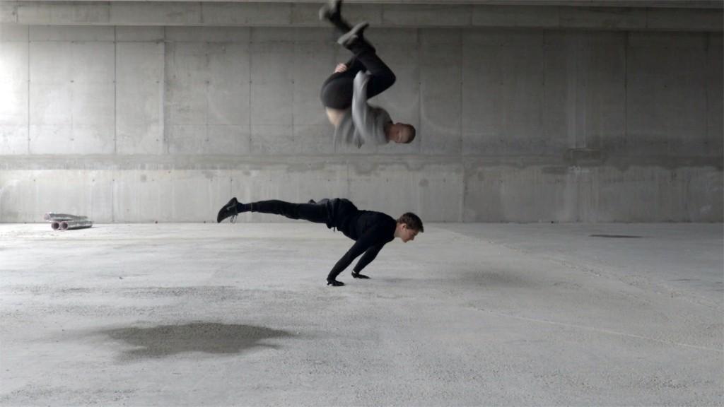 "Anna Witt, ""Körper in Arbeit"", 2018 Courtesy Anna Witt, Wien und Galerie Tanja Wagner, Berlin Videoinstallation, Multi-Kanal HD Video, Farbe, Ton"