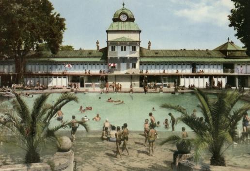 Thermalbad - Ansicht Sportbecken mit Strand
