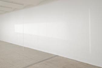 Fernanda Gomes, untitled, 2019, installation view Secession 2019, Photo: Peter Mochi, Courtesy Galeria Luisa Strina, São Paulo